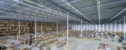Tendencias y desafíos actuales en iluminación del sector logístico: TRILUX