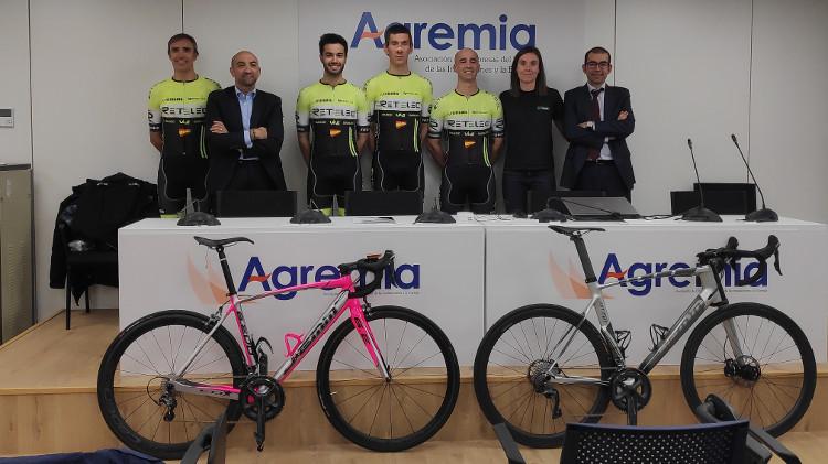 Retelec continúa apostando por el deporte patrocinando el equipo ciclista Retelec Fitstudio