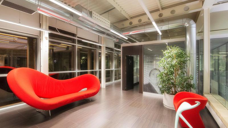 MBA Surgical Empowerment confía en TRILUX para incorporar la iluminación LED en su oficina central