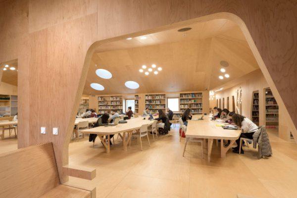 Hager colabora en la rehabilitación de la Biblioteca de Baiona