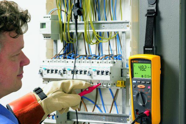 """""""10 errores a evitar en una instalación eléctrica"""" - Fluke"""